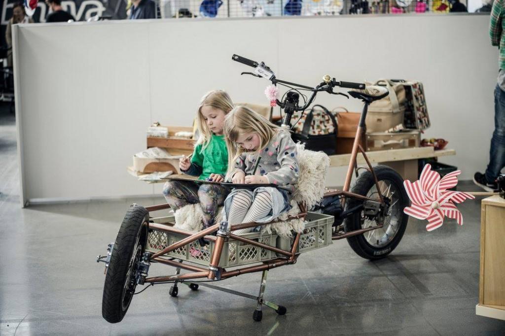 Kids in Cargo
