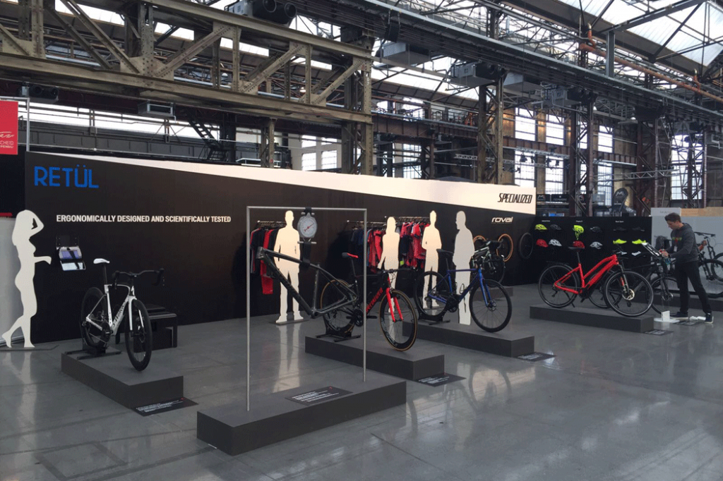 specialized-stand